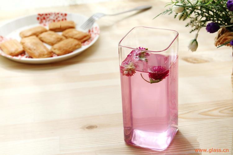 什么杯子喝水安全?教你识别耐高温的玻璃杯